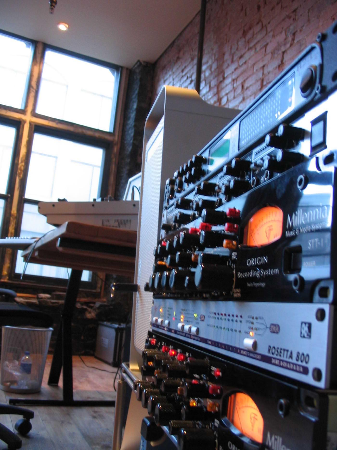 Re-novation-Studio-Transology-312